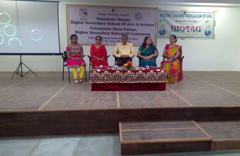 Chief Guest for the Bio Tag Quiz Dr. Hiremath seen along with the President of Bio Tag Mrs. Shubhada Shirodkar, (second left), Bio Tag Secretary, M